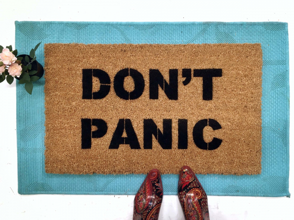 DON'T PANIC douglas adams hitchhikers guide doormat