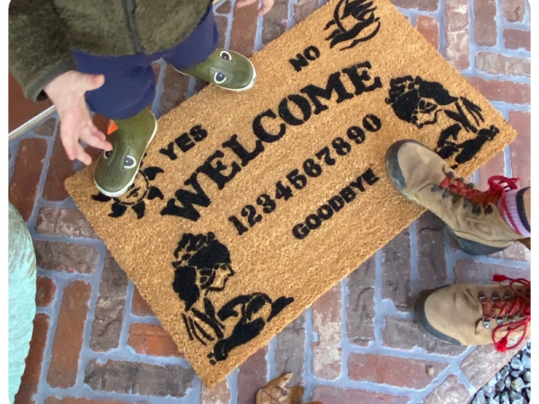Ouija board spirit medium ghost HALLOWEEN spooky awesome porch decor doormat sa