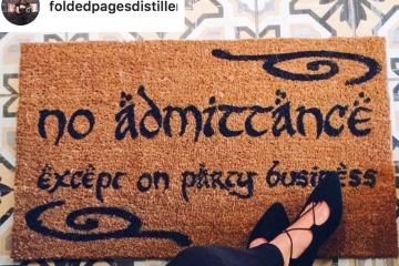 Doormat JRR Tolkien no admittance except on party business LOTR Hobbit doormat