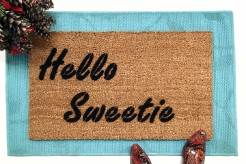 Hello Sweetie DR. WHO River's Song Kiss doormat