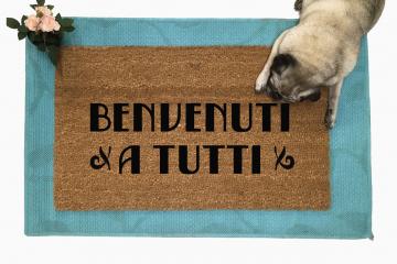 Benvenuti a tutti Everyone Welcome Italian doormat