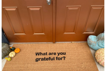 XL What are you grateful for? Thanksgiving mantra doormat