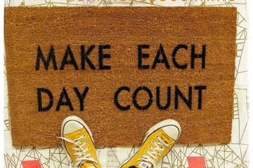 Make each day count- motivational quote doormat