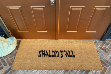 Doublewide XL Shalom y'all™ Jewish welcome doormat