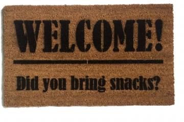 Welcome Did you bring SNACKS?™ funny foodie doormat